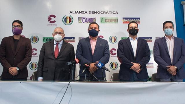 Javier Bertucci presentó Alianza Democrática con 5 partidos