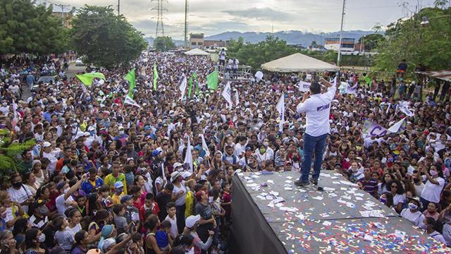 Bertucci cierra campaña en Carabobo con masiva asistencia